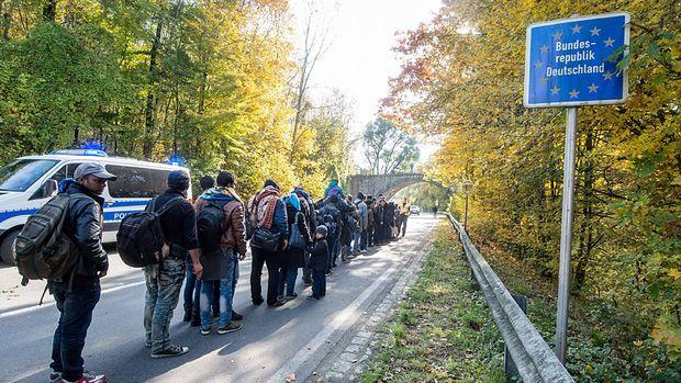 fluechtlinge-bayern-grenze-passau